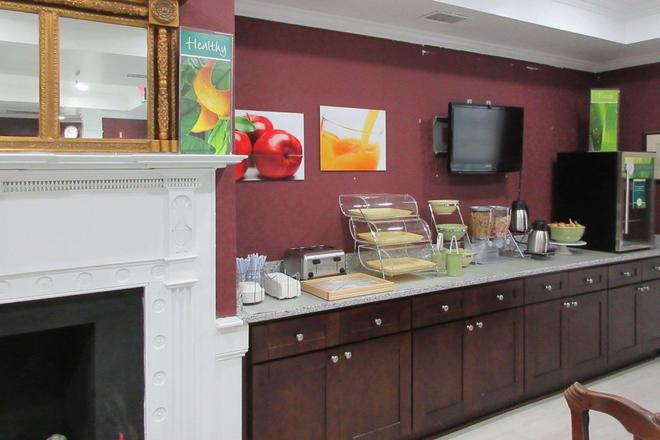 Quality Inn and Suites - Edgefield - Buffet
