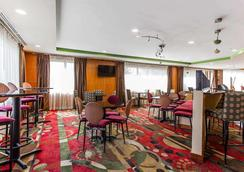 Comfort Suites - Stockbridge - Restaurant