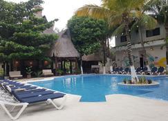 Jungle House Tulum Hotel & Hostal - Tulum - Pool