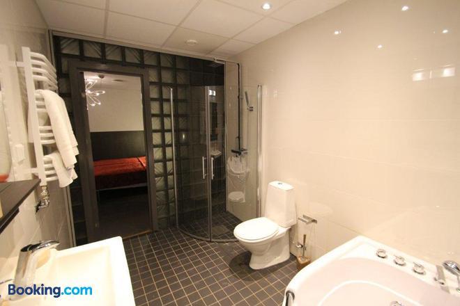 Stockholm Inn Hotel - Stockholm - Bathroom