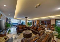 Ajman Beach Hotel - Ajman - Lobby