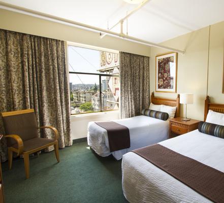 Budget Inn Patricia Hotel - Vancouver - Bedroom