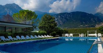 Hotel Campagnola - Riva del Garda - Piscina