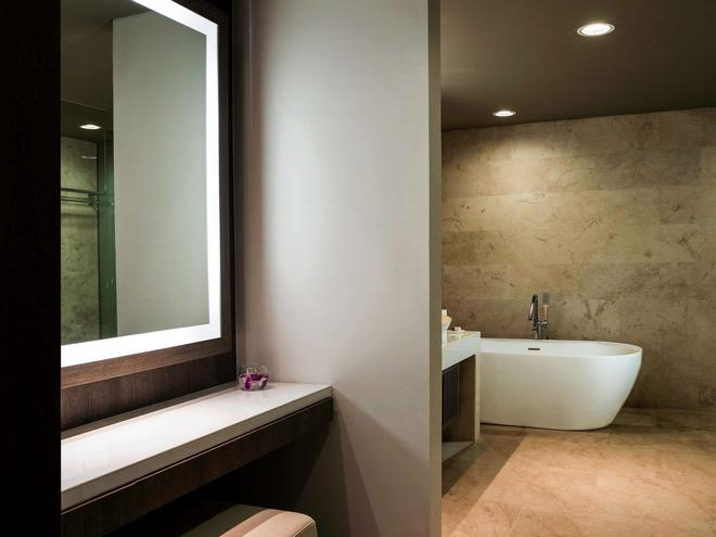 雅加達科瑪約蘭美居大酒店 - 雅加達 - 雅加達 - 浴室