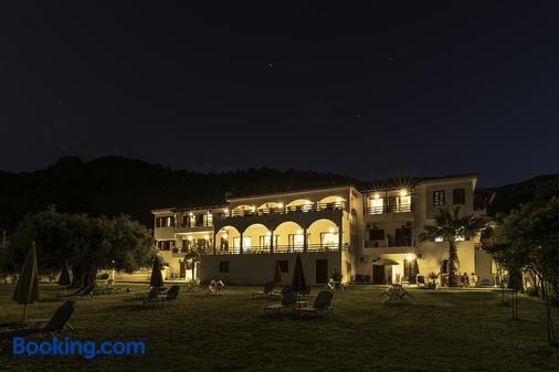 Hotel Sylvia - Kinira - Building