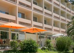 Best Western Hotel des Thermes - Balaruc-les-Bains - Bâtiment