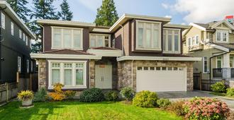 Imperial House Bed And Breakfast - Burnaby - Edificio