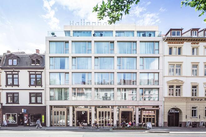 Bergheim 41 Hotel im Alten Hallenbad - Heidelberg - Building
