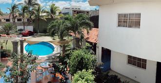 Hotel Santa Elena - סן סלבדור - בריכה