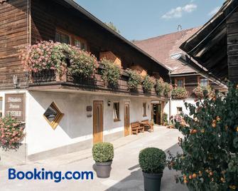 Privatzimmer Und Ferienwohnungen Gassner - Admont - Building