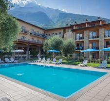 Villa Isabella Hotel & Residence