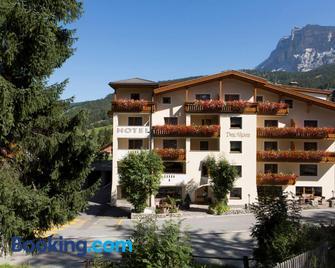 Hotel Des Alpes - San Cassiano/St. Kassian - Building