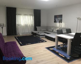 Ferienwohnung - Zweibrücken - Wohnzimmer