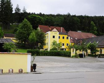 Hotel Schlossresidenz Heitzenhofen - Duggendorf - Buiten zicht