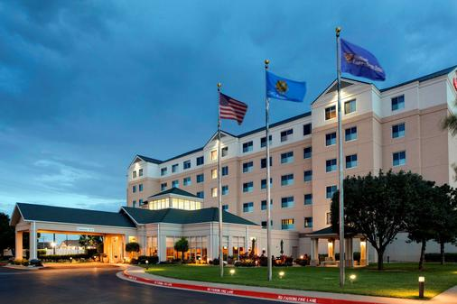Hilton Garden Inn Oklahoma City Airport - Oklahoma City - Building