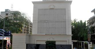Goldfinch Hotel - Mumbai