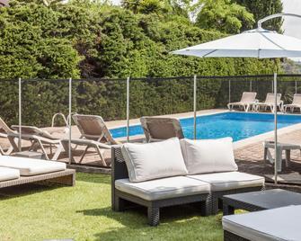 Hotel Des Cayrons - Vence - Pool