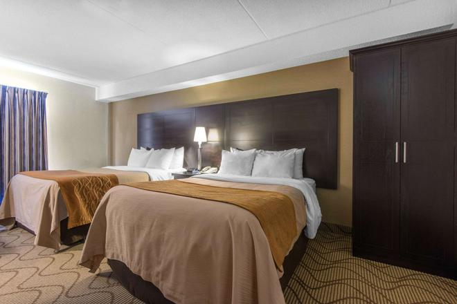 Comfort Inn Airport - North Bay - Bedroom