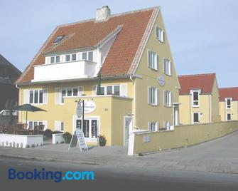 Hotel Strandvejen Rooms 5 - Skagen - Gebouw