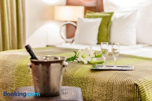 Hotel Cubix - Braşov - Bedroom