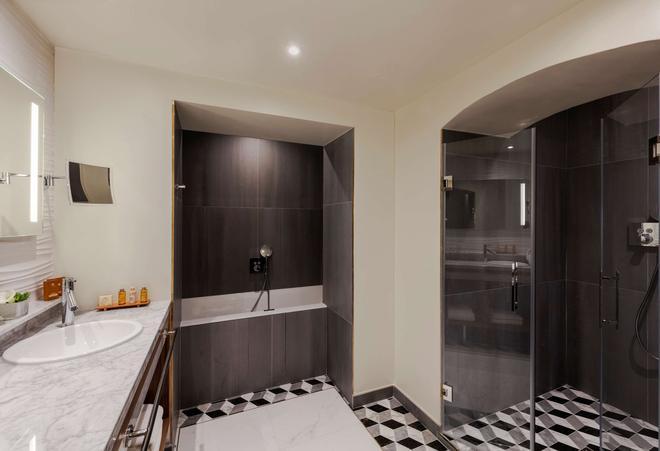 Best Western PREMIER Kapital Opera - Paris - Bathroom