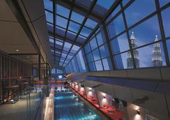 Traders Hotel Kuala Lumpur - Kuala Lumpur - Svømmebasseng
