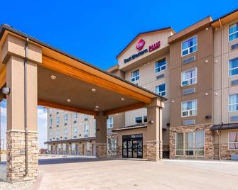 Best Western PLUS Moose Jaw - Moose Jaw - Building