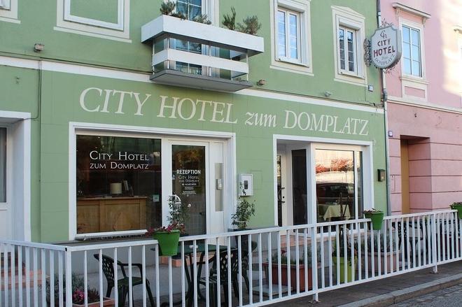 City Hotel Zum Domplatz - Klagenfurt - Rakennus
