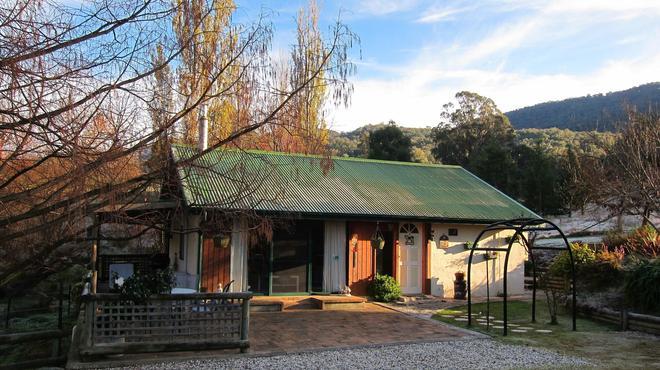 Edelweiss Cottage B&B - Myrtleford - Building