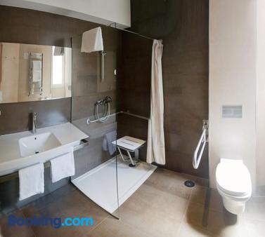 Hotel Asturias - Gijón - Bathroom