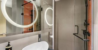 Ginger Pune (Wakad) - Pune - Bathroom