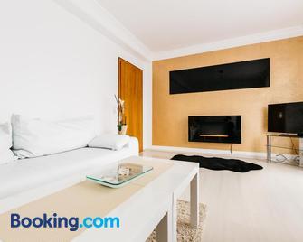 Apartments Neuss - Neuss - Huiskamer