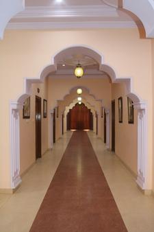 Hotel Shakti Palace - Chūru - Hallway