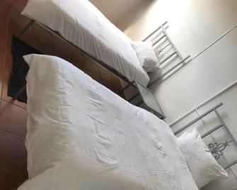 Ekhaya Guesthouse - Secunda - Slaapkamer