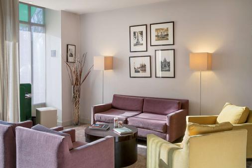 貝斯特韋斯特巴黎萊弗斯拉德芳斯酒店 - 庫爾伯瓦 - 庫爾布瓦 - 客廳