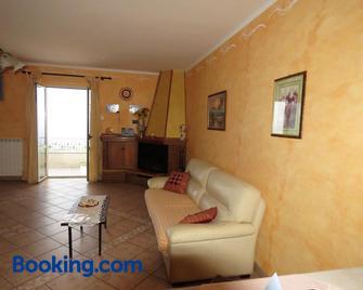 Villetta vista mare - Falerna - Living room