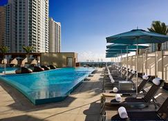 Kimpton EPIC Hotel - Miami - Zwembad