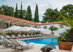 Hotel Martinis Marchi - Maslinica - Pool