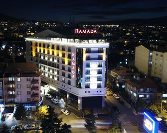 Ramada by Wyndham Isparta - Isparta - Gebäude