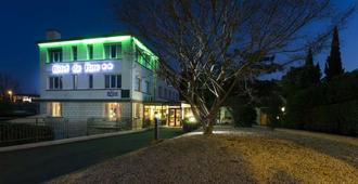 Brit Hotel du Parc - Niort - Gebouw