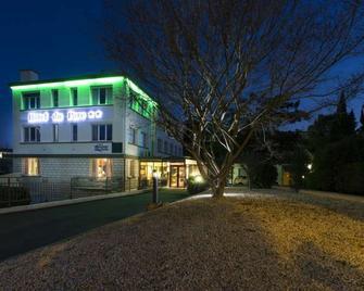 Brit Hotel du Parc - Niort - Building