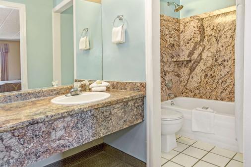 梅森速 8 酒店 - 梅遜 - 梅森 - 浴室