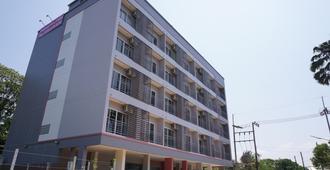 Chompu Nakarin Apartment - Trang