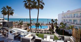 鸚鵡螺酒店 (只招待成人) - 托雷莫里諾斯 - 托雷莫利諾斯 - 游泳池