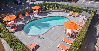 Hampton Inn Seattle/Airport - Seattle - Piscina
