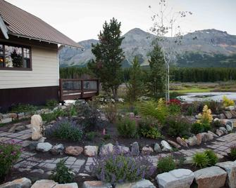 Summit Mountain Lodge - East Glacier Park - Outdoor view