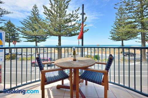 Shoreline Motel - Napier - Balkon