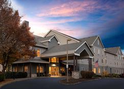 La Quinta Inn & Suites by Wyndham Eugene - Eugene - Edificio