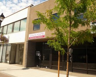 Vernon Hostel - Vernon - Edificio