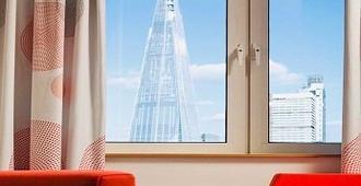Novotel London Bridge - London - Room amenity